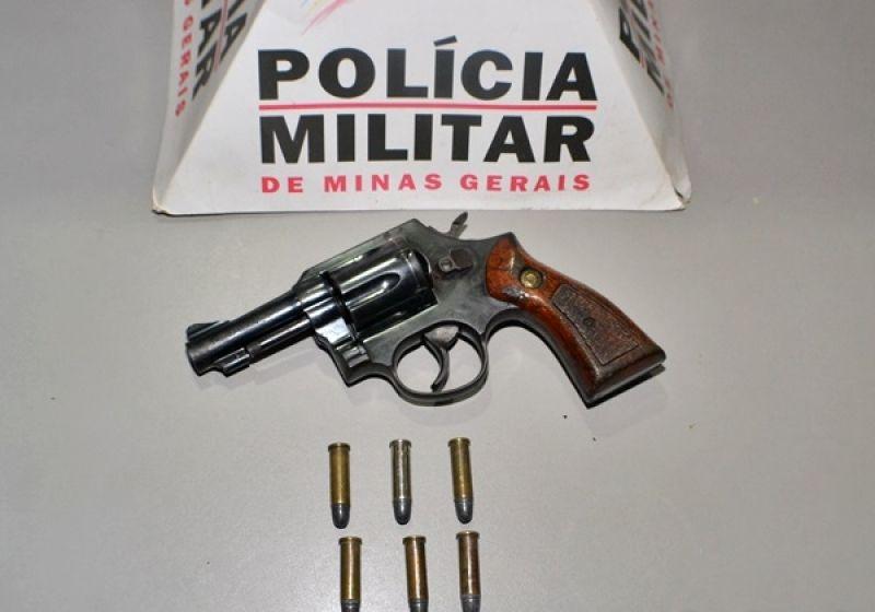 Morador do Rio de Janeiro é preso com revólver durante festa de Carnaval em Miradouro