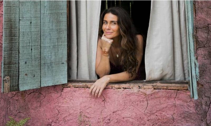 Giovanna Antonelli defende novela criticada por ausência de negros