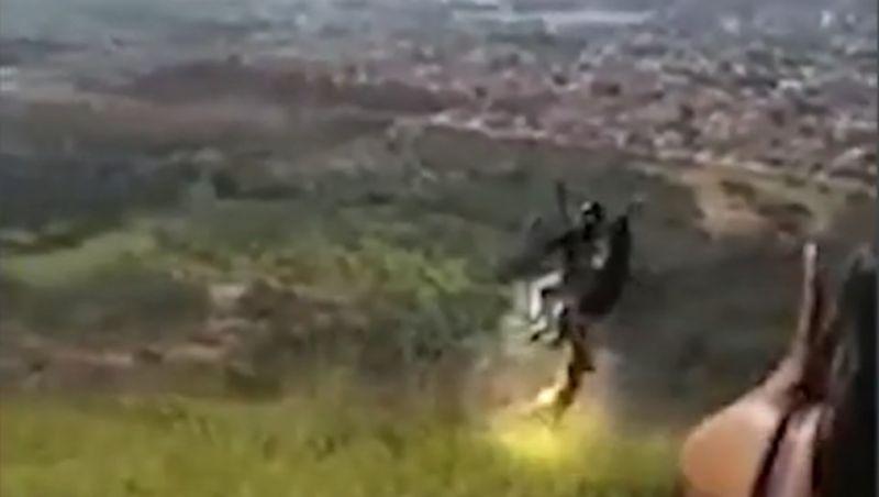 Cachorro morde parapente em decolagem e voa com piloto até cair em MG; vídeo