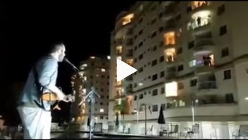 Com isolamento social, músico faz show para vizinhos em condomínio em Juiz de Fora