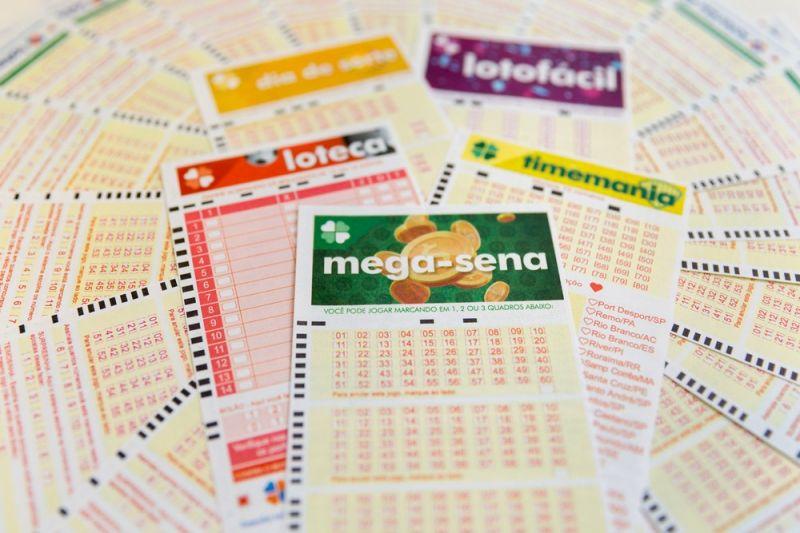 Mega-Sena acumula e vai a R$ 10 milhões