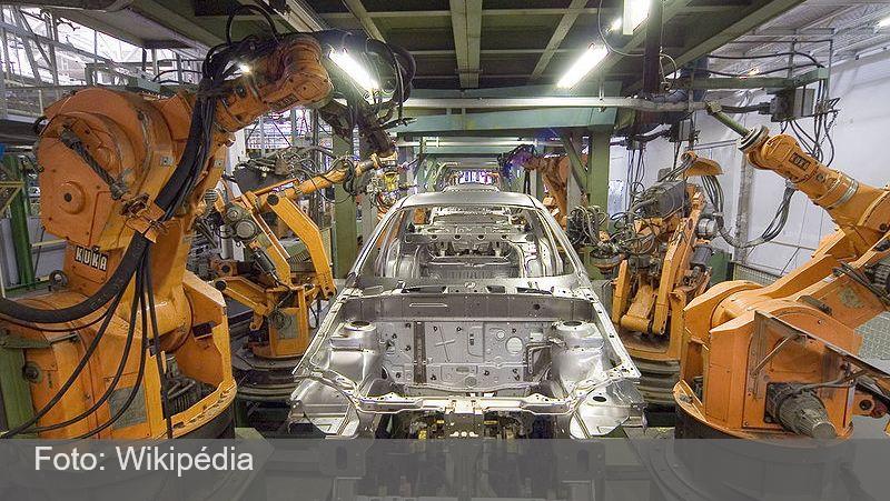 Confiança da indústria atinge maior nível em nove anos, diz FGV