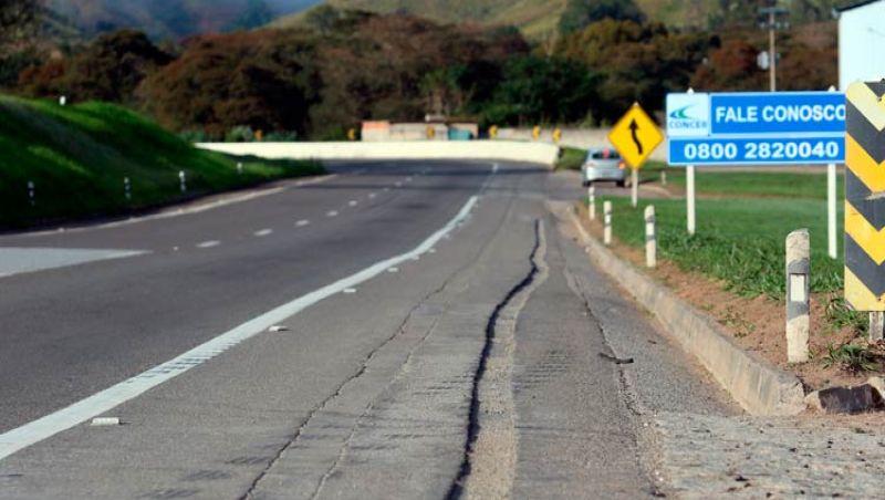 Passagem de carreta vai interditar a BR-040 na descida da Serra de Petrópolis