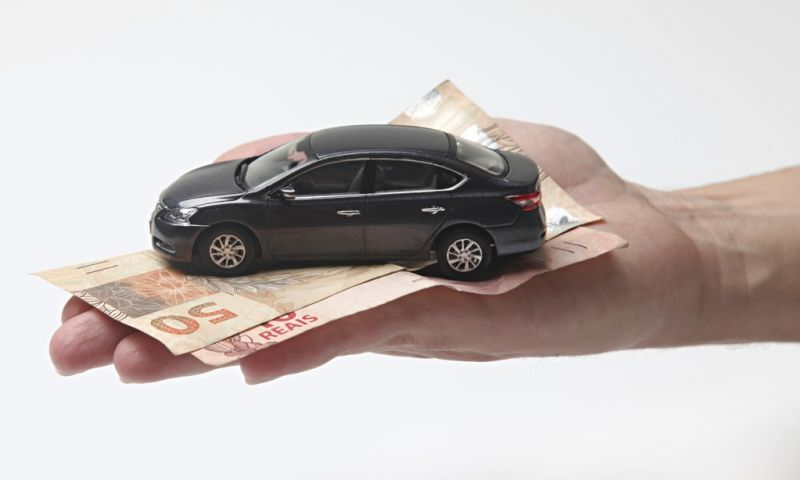 Como fazer seguro de carro mais velho? Veja as dicas