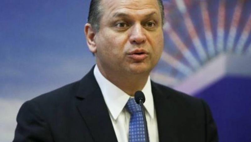 Prontuários eletrônicos irão melhorar marcação de consultas no SUS, diz ministro