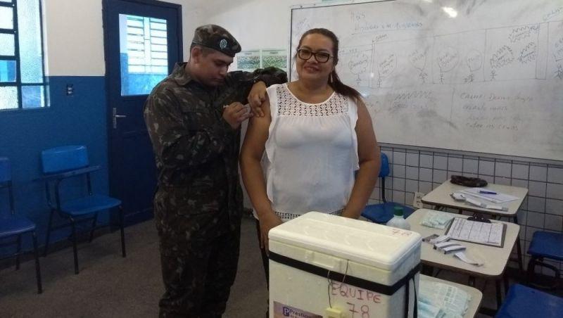 Exército apoia campanha de vacinação contra sarampo em Manaus