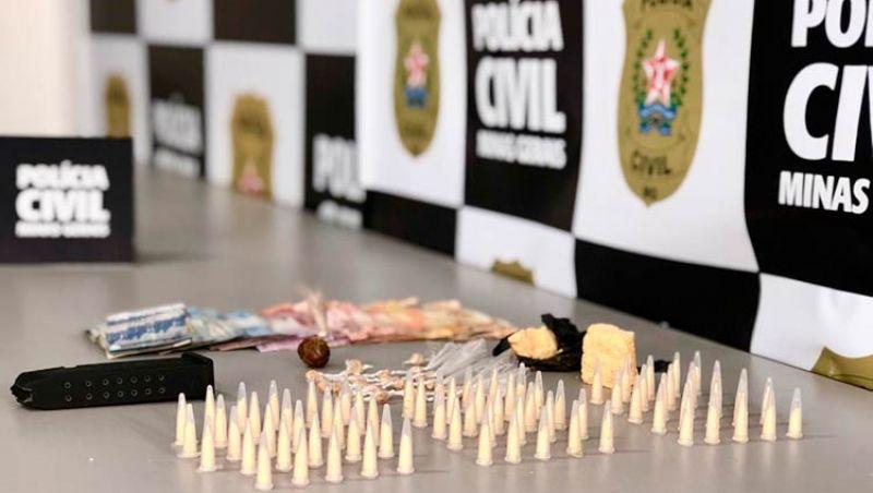 Polícia Civil apreende merla, cocaína e crack em Ubá