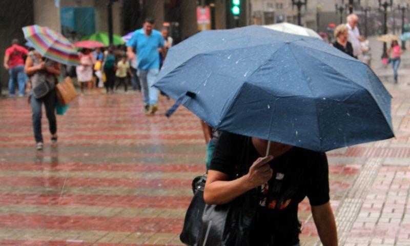 Chuvas devem permanecer até o final de semana em JF