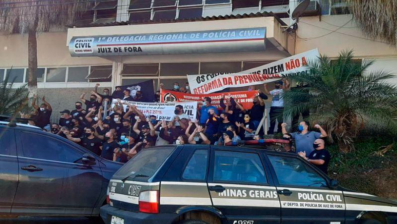 JF: Policiais Civis protestam contra reforma da previdência de Estado