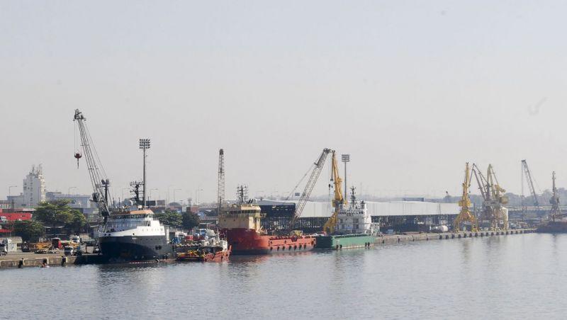 Mutirão de limpeza promete entregar Porto do Rio limpo até dia 17