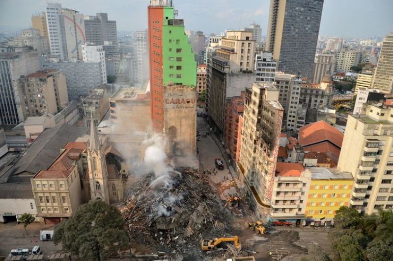 Coordenadores de prédio incendiado em SP não pertenciam a movimentos