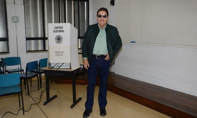 Famosos votam no 1º turno em todo o Brasil