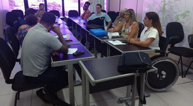 Departamento da Pessoa com Deficiência realiza palestra sobre conscientização no trânsito