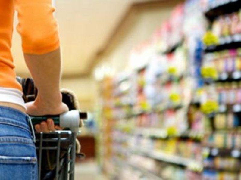 Confiança do consumidor é a maior desde 2014, aponta CNI