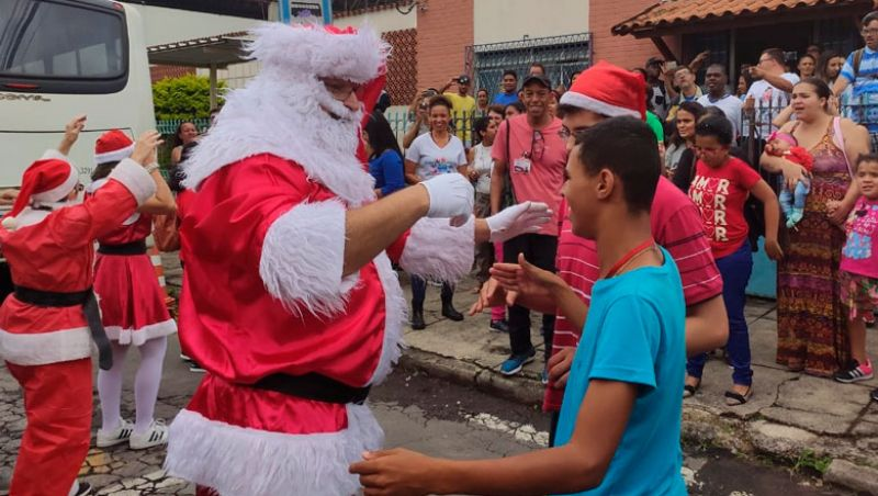 Comboio do Bem presenteia 642 crianças em instituições juiz-foranas