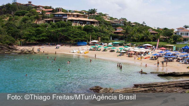 Justiça determina fechamento de hotéis e praias de Búzios