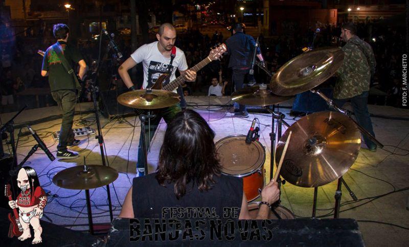 """Terceiro show do """"Festival de Bandas Novas"""" tem seis grupos na Praça Antônio Carlos"""