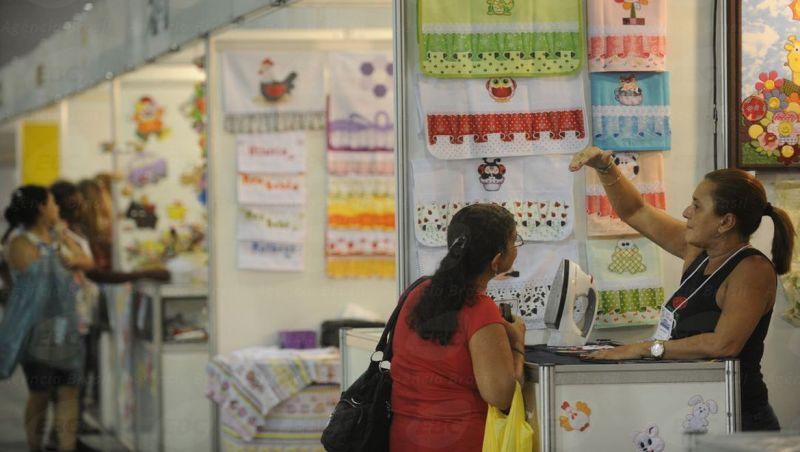 Isolamento social cai, mas pequenos negócios ainda têm baixo movimento