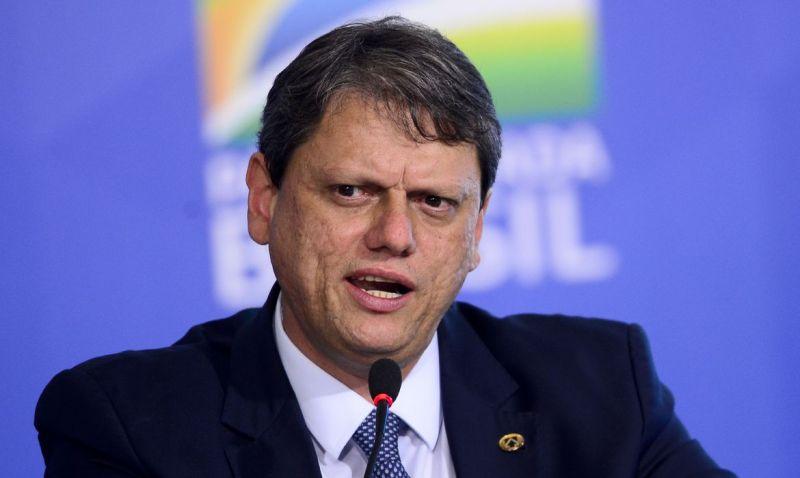 Ministro da Infraestrutura anuncia que está com covid-19
