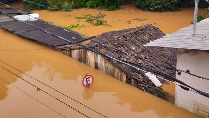 Chuva provoca mortes, inundações e deixa desalojados em cidades da Zona da Mata