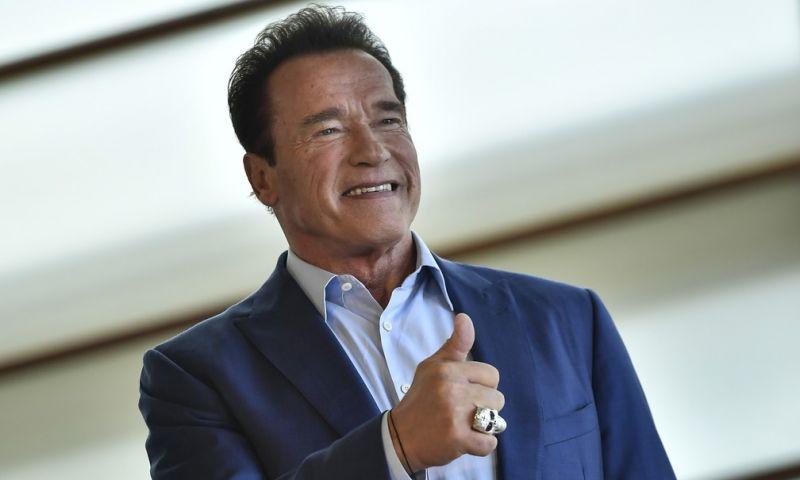 'I'm back', diz Arnold Schwarzenegger após cirurgia cardíaca de urgência