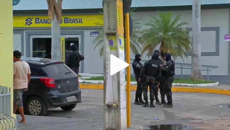 Tentativa de assalto a bancos com reféns deixa 13 mortos após tiroteio com a polícia no Ceará