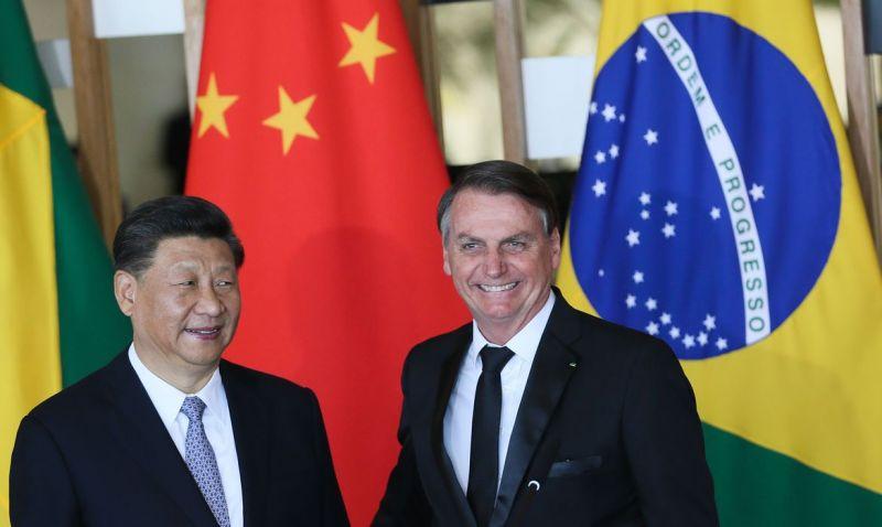 Bolsonaro e Xi Jinping trocam informações sobre a covid-19