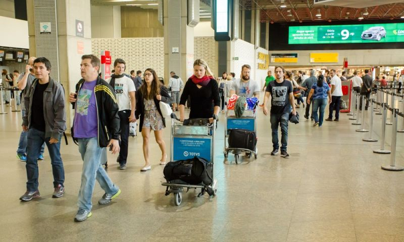 Anac reajusta tarifas de embarque nacional e internacional; veja valores