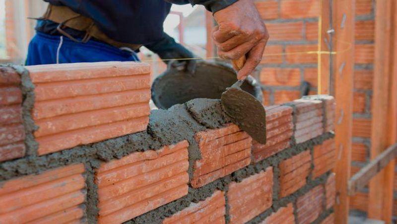 Construtora indeniza casal por atraso em entrega de imóvel