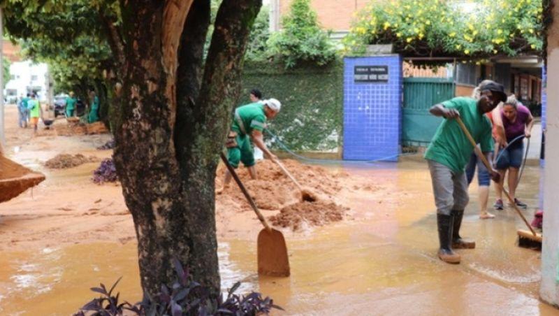 Após temporal, moradores de Muriaé contabilizam os prejuízos