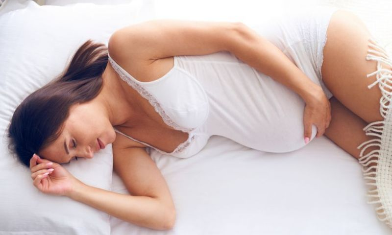 Grávidas que tiram sonecas têm menor chance de ter bebês abaixo do peso, diz estudo