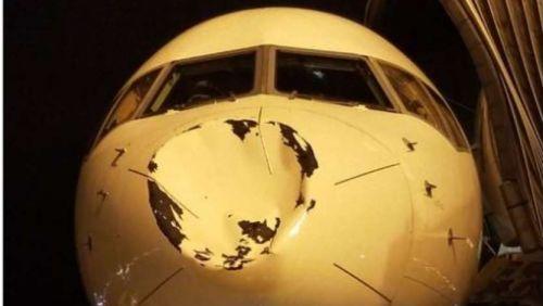 Atletas do Thunder se assustam com choque em voo e mostram estrago em avião