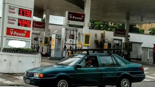 Moradores de Volta Redonda boicotam postos em protesto contra preço da gasolina