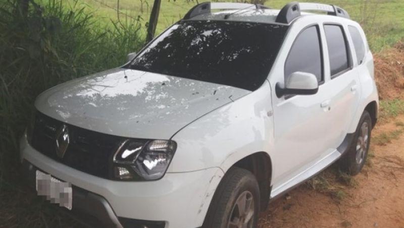 Carro que pode ter sido usado em homicídio é encontrado na zona rural de Muriaé