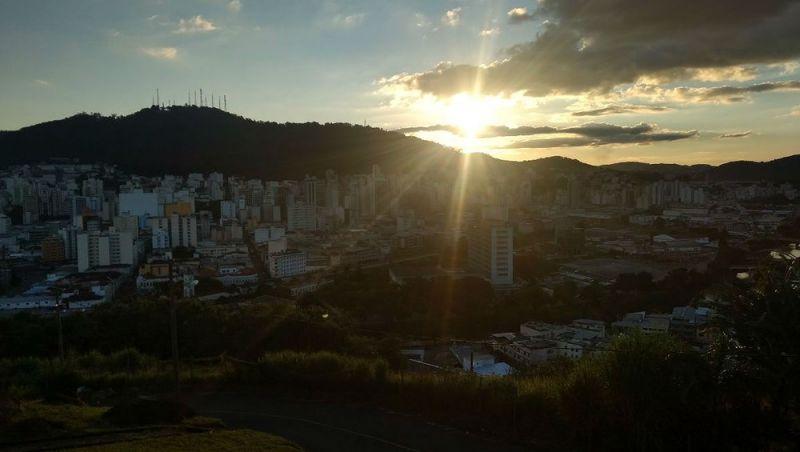 Calor diminui durante o fim de semana nas cidades da Zona da Mata e Campo das Vertentes