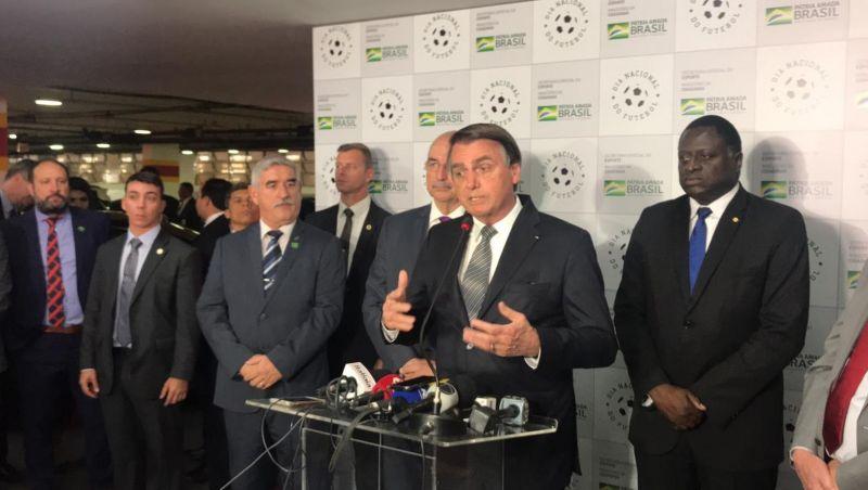 Bolsonaro vai manter saques de FGTS após ouvir empresários