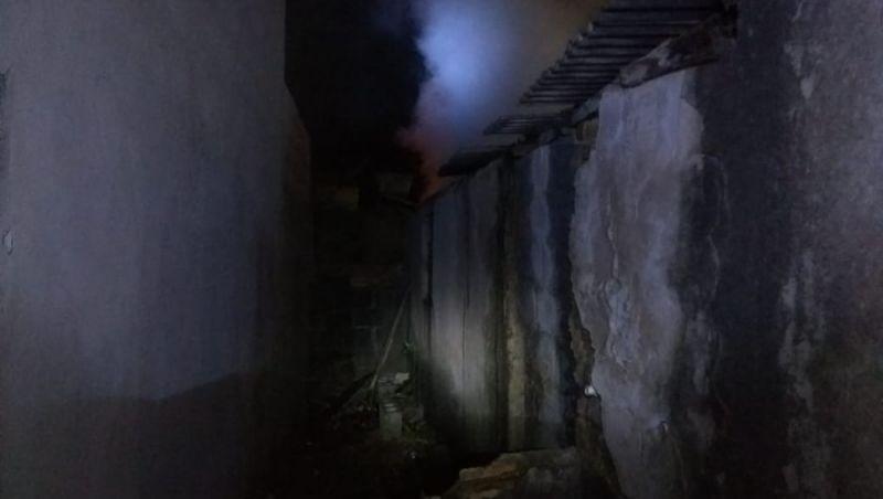 Jovem morre em incêndio dentro de casa em distrito de Barbacena