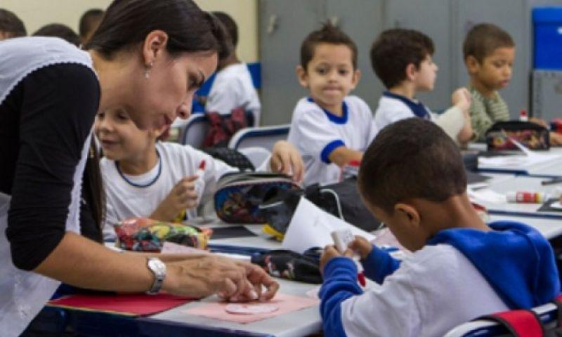 Ministro da Educação homologa a nova base curricular para o ensino básico