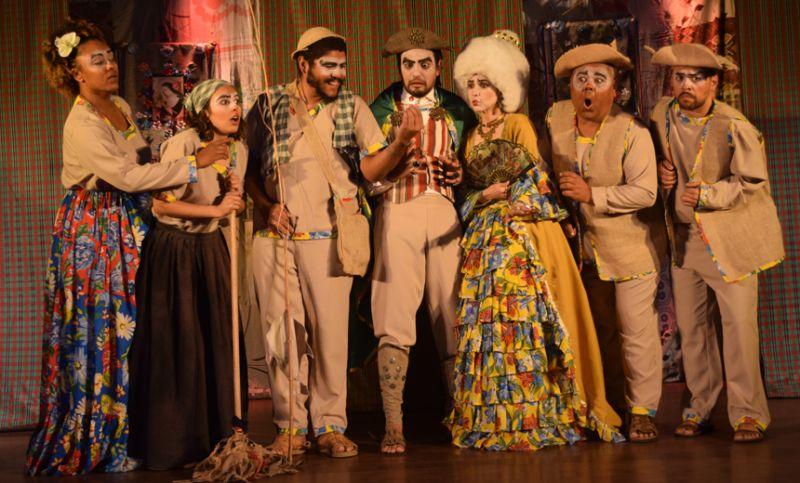 Espetáculo teatral leva conto popular ao palco do CCBM no domingo, em JF