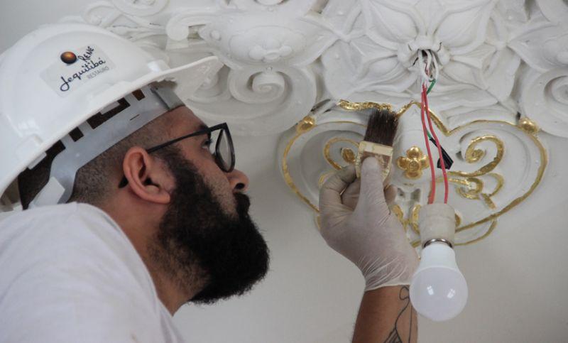 """""""13ª Primavera de Museus"""" em JF terá mostra com fragmentos do restauro da Villa Ferreira Lage"""