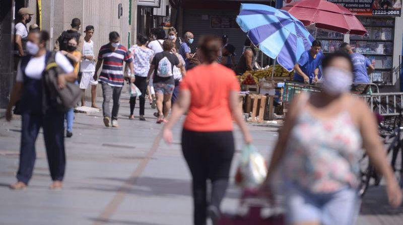 Brasil tem 12,2 milhões de pessoas sem trabalho, segundo IBGE