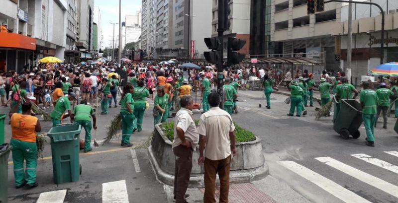 JF: Demlurb recolhe 15 toneladas de lixo após blocos de carnaval