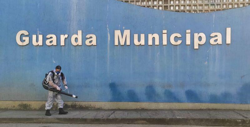 Guarda Municipal de JF reforça descontaminação contra coronavírus na sede