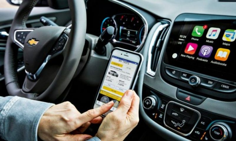 Como a conectividade está afetando sua relação com os carros