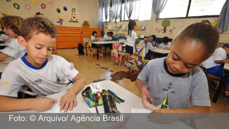 Justiça do Trabalho suspende retorno às aulas presenciais no RJ