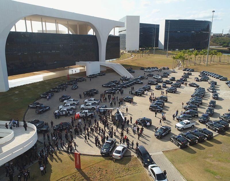 Governador Romeu Zema entrega viaturas para a Polícia Civil de Minas Gerais