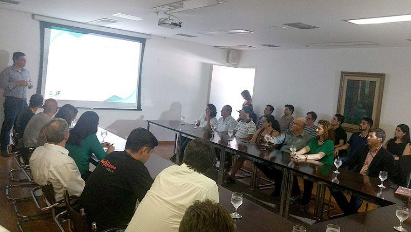 Prefeitura de Juiz de Fora apresenta contrato para ampliar eficiência administrativa