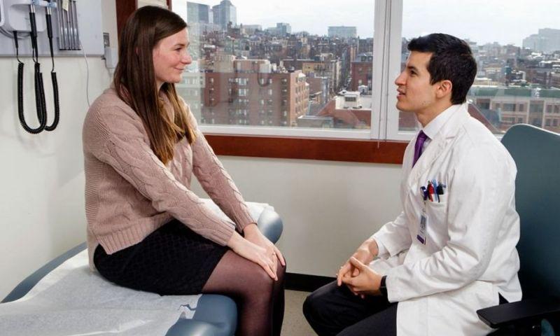 A condição rara que faz um médico 'sentir' a dor de seus pacientes