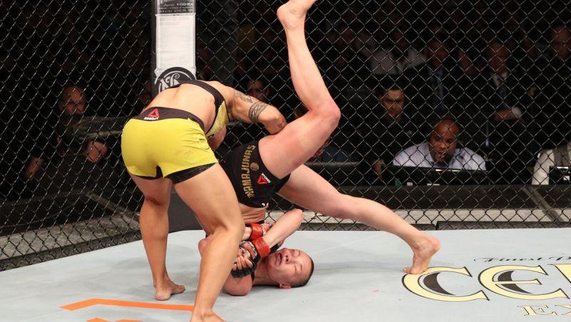 Reveja o 'bate estaca' de Jéssica Andrade sobre Rose Namajunas e tire eventual dúvida: Foi legal?