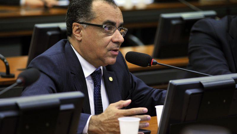 TSE permite que deputado condenado retome campanha